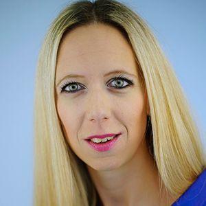 Andrea Gavranic recepcija Smile dentalna klinika | Smile ekipa