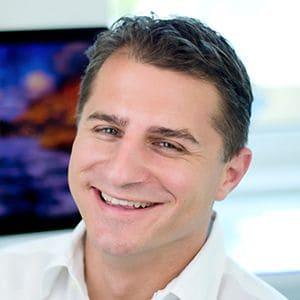 Dr. sc. Darko Slovša, doktor dentalne medicine, specijalista oralne kirurgije i implantologije