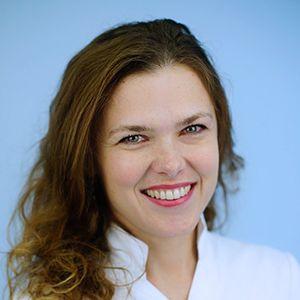 dr Ivana Milani Smile dentalna klinika | Smile ekipa