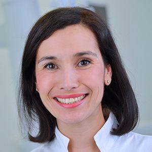 dr Milana Lukic Smile dentlana klinika | Smile Team