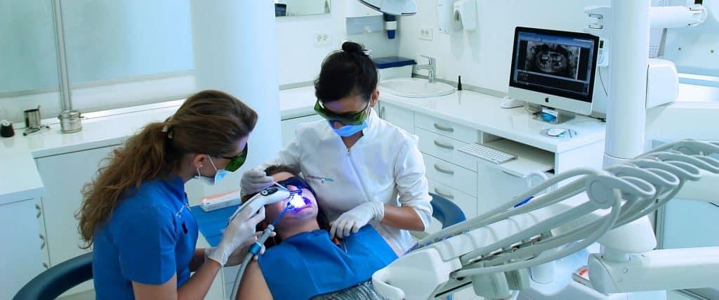 lijecenje zuba dr Milana Lukic Smile dentalna klinika | Bezbolna stomatologija - 5 razloga zašto je danas realnost