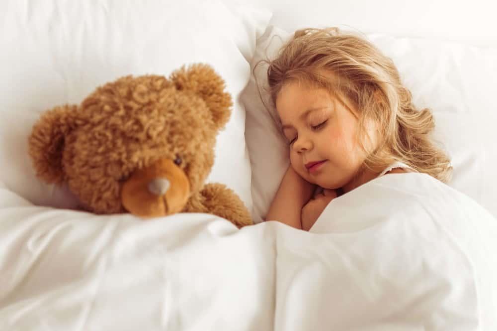 Sedacija Zubar Stomatologija sweet-little-girl-QZFVDBS
